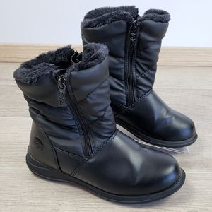 Totes Boots Black Faux Fur Lined Boots Size 6M